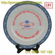Đĩa sứ Bát Tràng in logo công ty Bạch Đằng