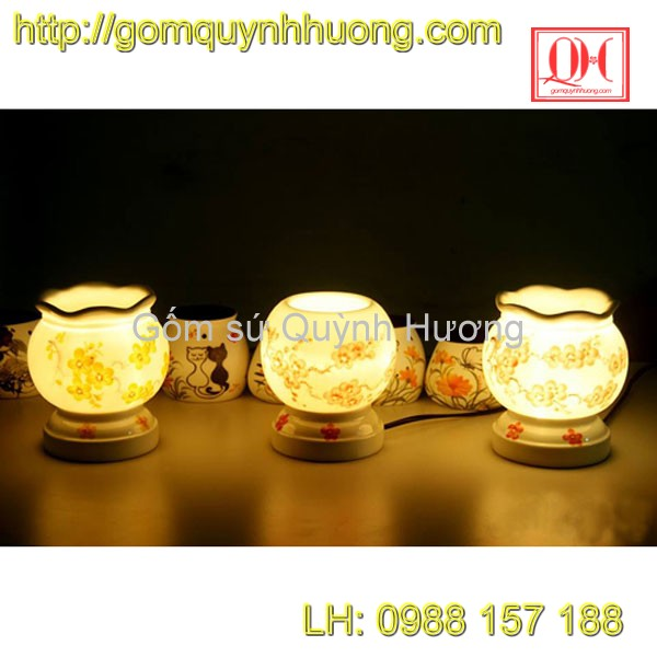 Đèn xông tinh dầu gốm sứ - Cảnh hoa đào