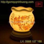 Đèn xông tinh dầu gốm sứ vẽ hoa đào