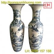 Lọ lục bình gốm sứ vẽ tùng hạc