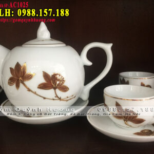 Ấm chén uống trà đẹp dáng chóp lửa vẽ mạ sen vàng