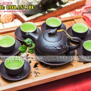Bộ ấm trà gốm đẹp, đắp nổi của Bát Tràng