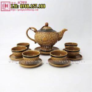 Ấm trà đẹp gốm Bát Tràng khắc nổi hoa văn, dáng ấm cao