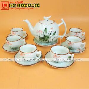Bộ trà đẹp gốm sứ Bát Tràng men kem vẽ sen
