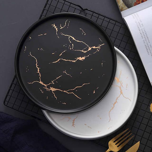 đĩa sứ trang trí cho mệnh Thủy