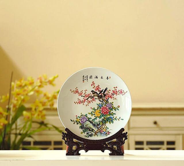 Cách trang trí với đĩa sứ